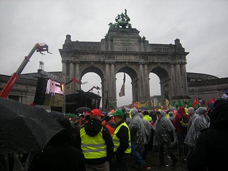 U zajedničkoj koloni sa Evropskim sindikatima