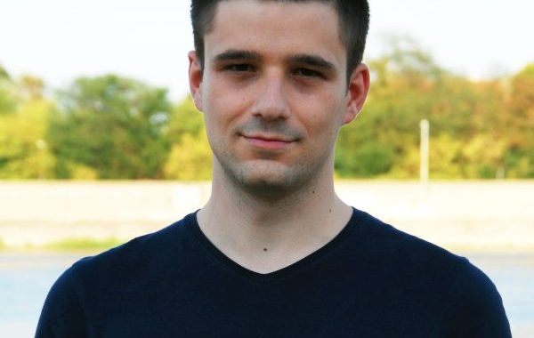 Intervju: Stefan Janjić, urednik portala FakeNews tragač